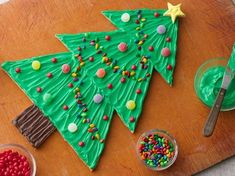 Crafty Cookies with the Kids Baking Gingerbread and Sugar Cookies | The Jenny Evolution