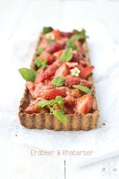 Erdbeer Rhabarber Pie aus dem Sweet Paul Magazin | relleomein.de