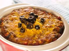 Burrito Lasagna - Can't decide between a Italian or Tex-Mex dinner? This casserole recipe layers burrito ingredients in between tortillas, Italian-style. Beef Casserole Recipes, Mexican Casserole, Hamburger Recipes, Ground Beef Recipes, Burrito Recipes, Burrito Casserole, Burrito Bowls, Other Recipes