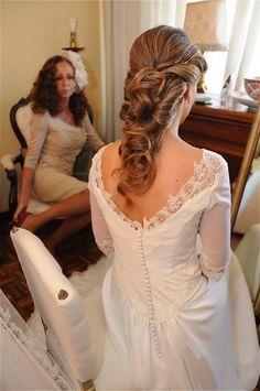 Precioso recogido y espalda del vestido de Ana! de Beatriz Alvaro. Alta Costura Madrid