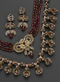 Stunning garnet and pearl vintage Miriam Haskell...yes please!
