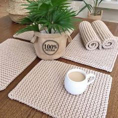 The most beautiful Crochet basket and straw models Knitting Projects, Crochet Projects, Knitting Patterns, Crochet Patterns, Crochet Diy, Crochet Decoration, Crochet Home Decor, Crochet Placemats, Crochet Baskets