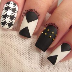 Black and white matte mani