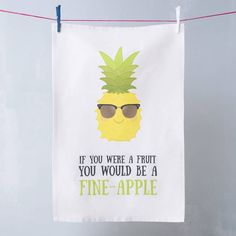 So funny, love a good pun! 'Fine Apple' Pineapple Pun Tea Towel, perfect gift for a partner or someone you love or just something awesome for your own kitchen. Love pineapples, they are everywhere at the moment! Pineapple Gifts, Pineapple Quotes, Pineapple Pictures, Pineapple Kitchen, Cute Cards, Diy Cards, Fruit Puns, Cute Puns, Pina Colada