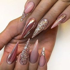 Well, we offer to see our designs by Long Stiletto Nails and stay trendy. Long stiletto nails are brave eyes and it can be very hard to ignore this style. Long Stiletto Nails, Coffin Nails Long, Long Acrylic Nails, White Nails With Gold, Gold Nails, Sparkle Nails, Gold Glitter, French Nail Designs, Nail Art Designs