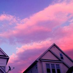 sky, pink, and house kép Sky Aesthetic, Purple Aesthetic, Aesthetic Photo, Aesthetic Pictures, Retro Aesthetic, Pretty Sky, Beautiful Sky, Wallpapers Rosa, Fred Instagram