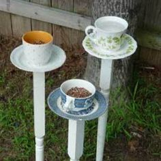 How to make easy #DIY bird feeders for your backyard. I am so doing this in my alice in wonderland garden at our house when it is ready next year! I miss my garden dearly from my old house.
