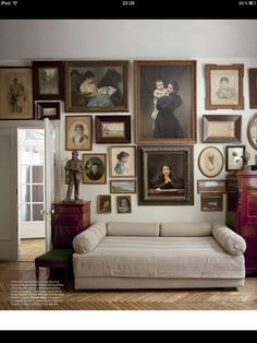 the moscow home of gugo manizer and nina pulyakhina - lovely art wall