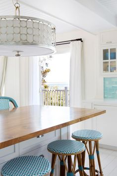 A couple have rebuilt their seaside family holiday home south of Perth, drawing their design and decorating inspiration from time spent living in New York and the Hamptons. Aqua Kitchen, Walnut Kitchen, Eclectic Kitchen, Kitchen Colors, Kitchen Decor, Kitchen Design, Hamptons Style Decor, The Hamptons, Australian Homes