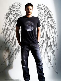 I want a wall like this in my home where people can stand in front of it and be winged. Of course, then I'd need a big enough home to actually have a spare wall.-please, I just want Jensen Ackles in my house Castiel, Supernatural Fans, Jensen Ackles, Familia Winchester, Sam E Dean Winchester, Cw Series, Bae, Super Natural, Monster