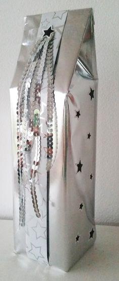Kadootje, tape, sticker, inpakpapier, zilver, sterren, pailletten. Gift, washi, masking tape, sticker, wrapping paper, stars, silver.