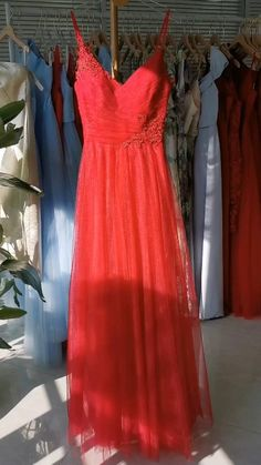 This flattering A-line silhouette is a great fit for any body type. #bridesmaiddress #tulledress Inexpensive Bridesmaid Dresses, Knee Length Bridesmaid Dresses, Red Bridesmaids, Bridesmaid Inspiration, Tulle Gown, Short Dresses, Fashion Dresses, Silhouette, Type