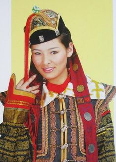 Traditional clothing of Mongolia. By Sarah Corbett