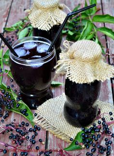 Sirop din fructe de soc | CAIETUL CU RETETE Romanian Food, Romanian Recipes, Tasty, Yummy Food, Cooking Recipes, Healthy Recipes, Preserves, Food Inspiration, Pickles