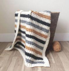 crochet pattern afghans Crochet Striped Even Moss Stitch Blanket Pattern - Crochet Afghans, Crochet Stitches Patterns, Baby Blanket Crochet, Crochet Blankets, Baby Afghans, Crochet For Beginners Blanket, Manta Crochet, Moss Stitch, Crochet Baby Booties