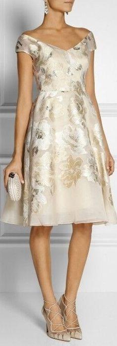 Moda senhoras - vestido curto para bodas de ouro Prom Dresses, Formal Dresses, Party Dress, Fashion Dresses, White Dress, Glamour, Street Style, Boutique, Lingerie