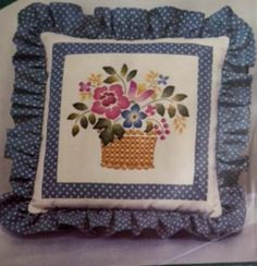Vintage Elsa Williams Crewel Embroidery Kit Basket Flowers Pillow Crafts 00312 Sealed
