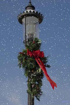 Nothing spells Christmas like a Christmas lamp post