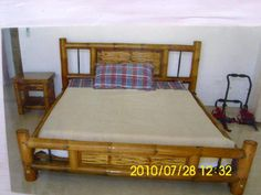 Cama  con  cuadros  tejidos Bamboo Furniture, Toddler Bed, Bedroom, Building, Home Decor, Rustic Kitchens, Beds, Wood, Tejidos