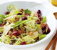 New Waldorf Salad - Martha Stewart Recipes. To lighten things up, fresh greens are tossed in, and a lemon vinaigrette replaces the mayonnaise dressing. Healthy Vegetable Recipes, Vegetarian Recipes, Waldorf Salad, Martha Stewart Recipes, Lemon Vinaigrette, Summer Salads, Soup And Salad, Salad Recipes, Side Dishes