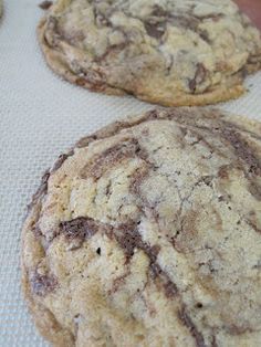 Mmm...Cafe: Big, Flat, Chewy Chocolate Chip Cookies