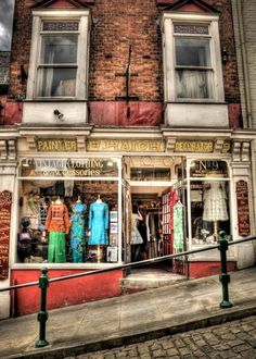 How steep is Steep Hill in Lincoln? This steep! Recently named named Britain's Best Place by the Academy of Urbanism, it's a great place for indie shops like this vintage clothes store and bags of English history. Lincoln England, Lincoln Uk, Building Photography, Hdr Photography, Stunning Photography, Great Places, Places To See, Beautiful Places, Lincolnshire England