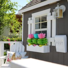 Tiny Little Pads is a full-service interior design firm located in fabulous Downtown Las Vegas. We create High-End Children's Spaces, or Pads as we prefer to call them, exclusively for kids, newborn to twelve. We specialize in custom Baby Nurseries, Children's Rooms, Playrooms and Playhouses.