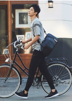 59 Ideas Cute Bike Pictures Boys For 2019 Korean Star, Korean Men, Asian Boys, Asian Men, Asian Actors, Korean Actors, Pretty Boys, Cute Boys, Park Hyun Sik