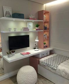 super cute. I love the floating desk #roomdecor #desk #roomgoals #shelves
