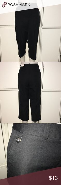 Liz Claiborne Golf Capris (H) 100% Polyester. Size 10. Helps shield skin from UV rays. Draws moisture away from body to keep skin cool and dry. Liz Claiborne Pants