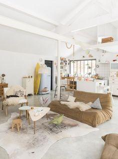 Un salon dans des tons neutres pinterest deco inspiration intérieur