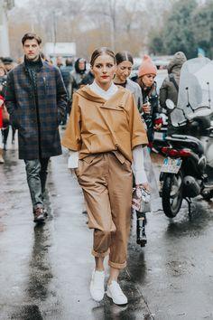 Cómo caminar bajo la lluvia con estilo, por Olivia Palermo