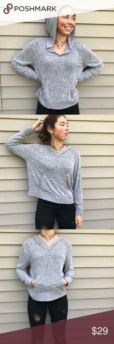 Forever 21 hooded sweater Forever 21 lightweight hooded sweater size medium. NWOT Never worn Forever 21 Sweaters