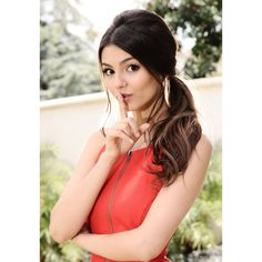 An image of Victoria Justice ❤ liked on Polyvore featuring victoria justice, people, hair, models and pictures