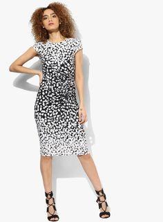 7742b6a0b21 Buy DOROTHY PERKINS Black Coloured Printed Bodycon Dress Online - 3235215 -  Jabong