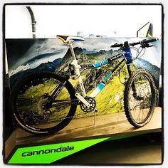 """Cannondale Scalpel 26"""" oficial VOLVO """"modelos que nunca pasan de moda""""  #biketaller #reus #mtb #road #bikevintage  @cannondalefans… Mtb, Volvo, Cannondale Bikes, Bicycle, Instagram, Templates, Bike, Bicycle Kick, Bicycles"""