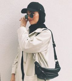 Hijab styles 721631540272049090 - Super sport fashion style clothes outfit ideas Source by Modern Hijab Fashion, Street Hijab Fashion, Muslim Fashion, Modest Fashion, Retro Fashion, Vintage Fashion, Mode Outfits, Casual Outfits, Fashion Outfits