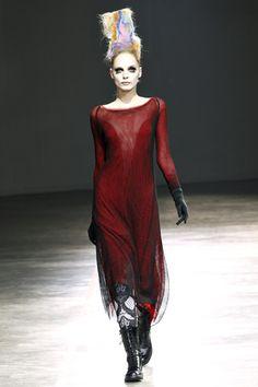 Yohji Yamamoto Fall 2011 Ready-to-Wear