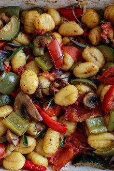 Gnocchi, Dessert Dishes, Polish Recipes, Holiday Recipes, Food To Make, Food Porn, Good Food, Food And Drink, Vegetarian