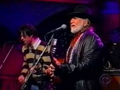Willie Nelson & Ryan Adams - The Harder They Come (Live on Letterman)...Ryan is great in this.
