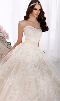 perfect lace wedding dresses