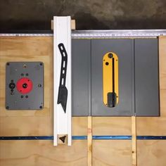 Make Projects With Detailed Plans … even if you don't have a huge workshop or costly devices! Each of the tasks are outlined enough to leave absolutely nothing to uncertainty yet basic sufficient for novices. It has complete directions throu Woodworking Magazine, Woodworking Workshop, Woodworking Projects Diy, Diy Wood Projects, Fine Woodworking, Wooden Workshops, Carpentry Tools, Table Saw, Tool Storage