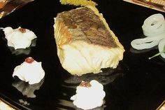 Merluza Donostia con Tallarines de Chipirones y Patata Trufada | Encuentra más información de este y otros menús en http://www.quintadelalba.com/paginas-de-aterrizaje/ejemplos-de-menu.html