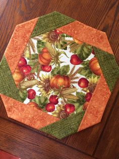Table Topper Autumn Fall Thanksgiving Harvest by AlidanCreationsChristmas Bargello Table Runner by KrasoskisKrafts on Etsy Table Runner And Placemats, Table Runner Pattern, Quilted Table Runners, Table Topper Patterns, Quilted Table Toppers, Hand Quilting Designs, Quilting Projects, Hexagon Quilting, Quilting Patterns