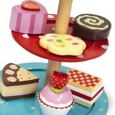 Cupcake Stand Set - Wooden http://www.uptothemoon.com/product/cupcake-stand-set/