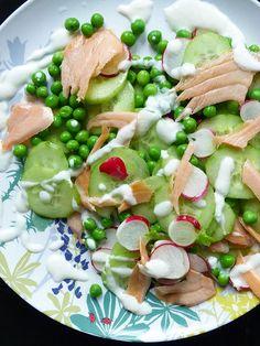 Spring salad: Peas, salmon and radishes.