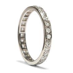 Süße Erinnerungen - Klassischer Memory Ring mit Diamanten in Weißgold, um 1980 von Hofer Antikschmuck aus Berlin // #hoferantikschmuck #antik #schmuck #antique #jewellery #jewelry