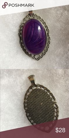 Purple Onyx Agate Pendant Purple Onyx agates are 30x20x7mm and the settings (pendant base) on each stone is made out of antique silver. Jewelry Necklaces