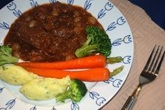 Grootmoeders draadjesvlees - Keuken♥Liefde Goulash, Pot Roast, Slow Cooker, Steak, Beef, Ethnic Recipes, Desserts, Foodies, Om