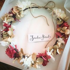 Corona de flores liofilizadas o preservadas.